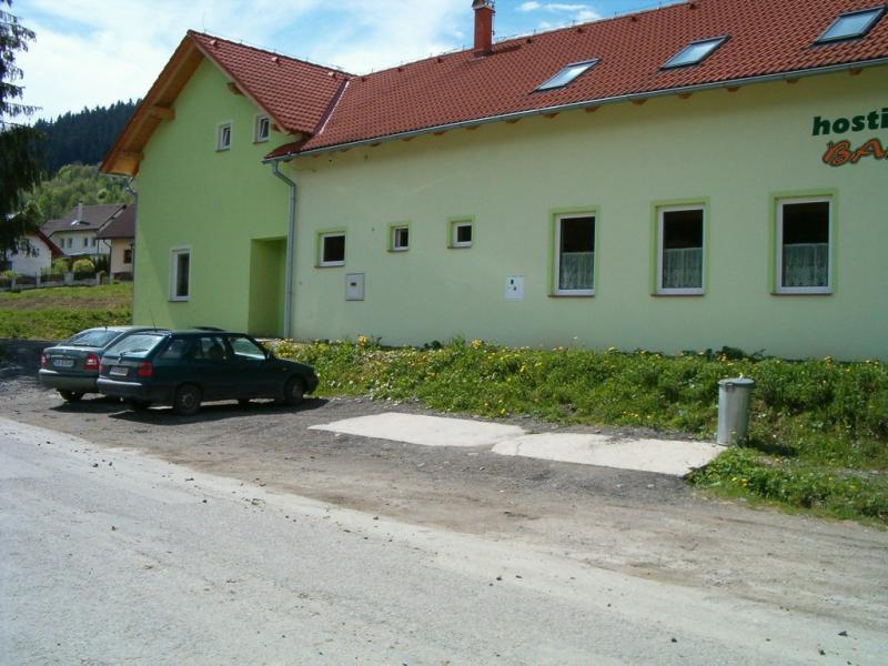 Budova a okolie 04